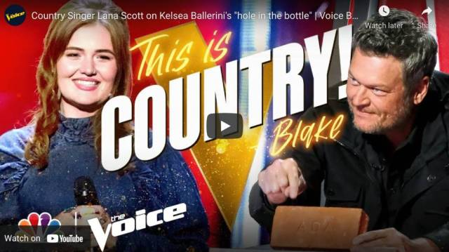 That is Country Blake Shelton in Voice Blind Auditions 2021