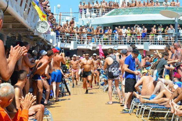 High Heels Run 2016 | Gay Couple Diary La Demence Cruise © CoupleofMen.com