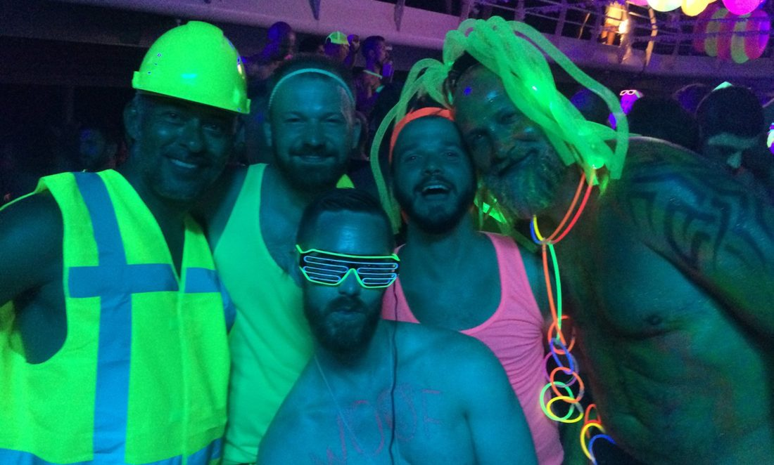Neon Party | Gay Couple Diary La Demence Cruise © CoupleofMen.com