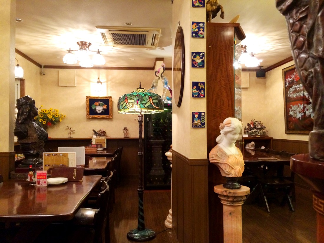 らんず Italien Restaurant | Gay Couple Pilgrimage Kumano Kodo Japan © CoupleofMen.com
