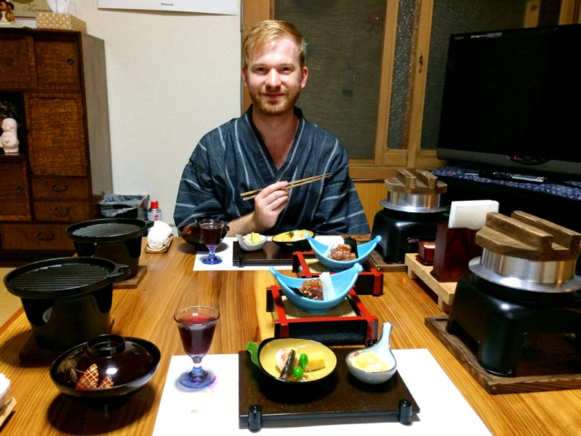 Daan having dinner at Minshuku Tsugizakura in Chikatsuyu © CoupleofMen.com