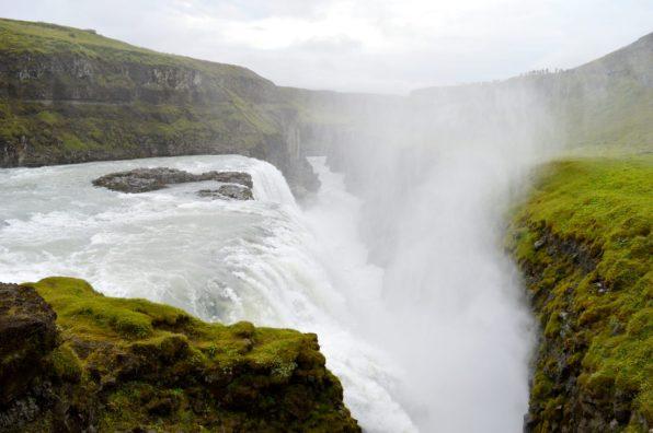 Gullfoss Waterfall Iceland | Golden Circle Tour Iceland Þingvellir Geysir Gullfoss © CoupleofMen.com