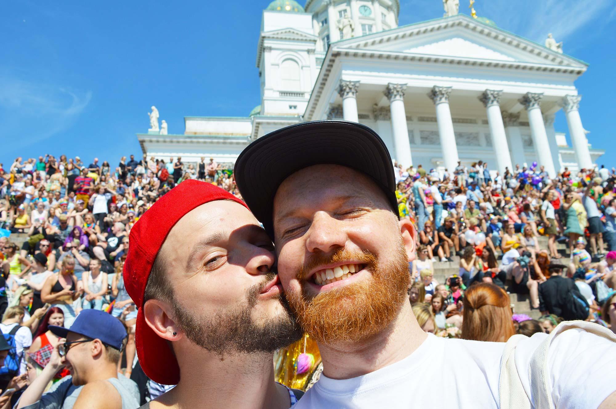 Gay Pride CSD Trips Gay Reiseblogger Couple of Men Gay Pride Trips Gay Pride Helsinki LGBTQ Festival Parade 2016 © CoupleofMen.com