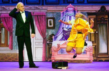 """Roosendaal, 07-12-2015. Beeld uit de voorstelling """"De gelaarsde poes"""" van het Ro-Theater. Foto: Leo van Velzen."""