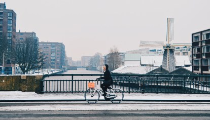 Snow in Amsterdam: Our Dutch Winter Day in the capital of The Netherlands | © CoupleofMen.com
