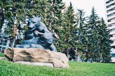 Bear couple sculptures at Century Gardens | Photo Tour Parks Public Art Downtown Calgary Alberta © CoupleofMen.com