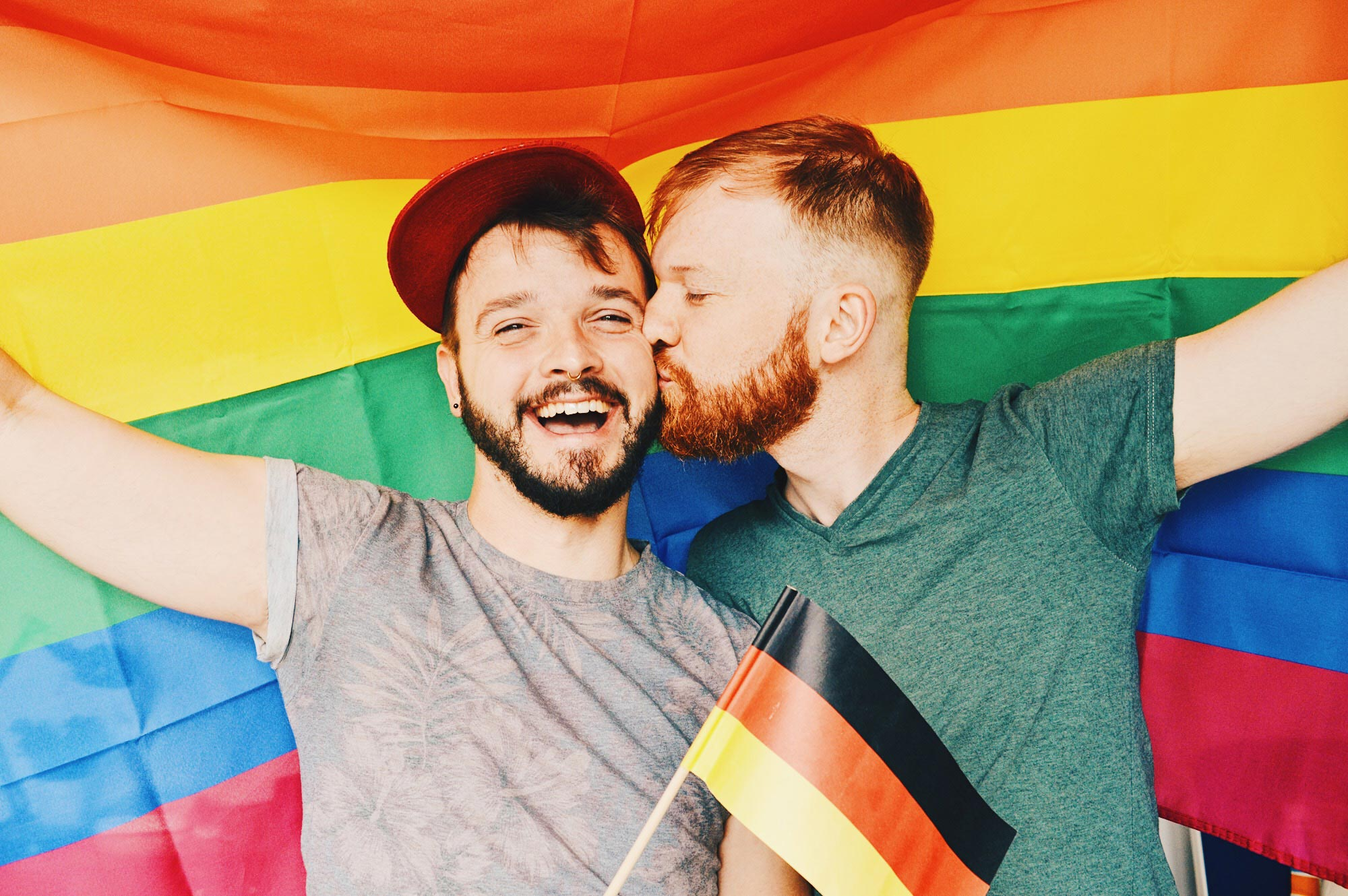 How Our Photo Got Stolen by Trolls to tie LGBTQ+ to Pedophilia © Coupleofmen.com CSD Kalender Deutschland 2018 Gay Pride Calendar Germany 2018 Gay Couple celebrates equality for Germany Same-Sex Marriage © CoupleofMen.com
