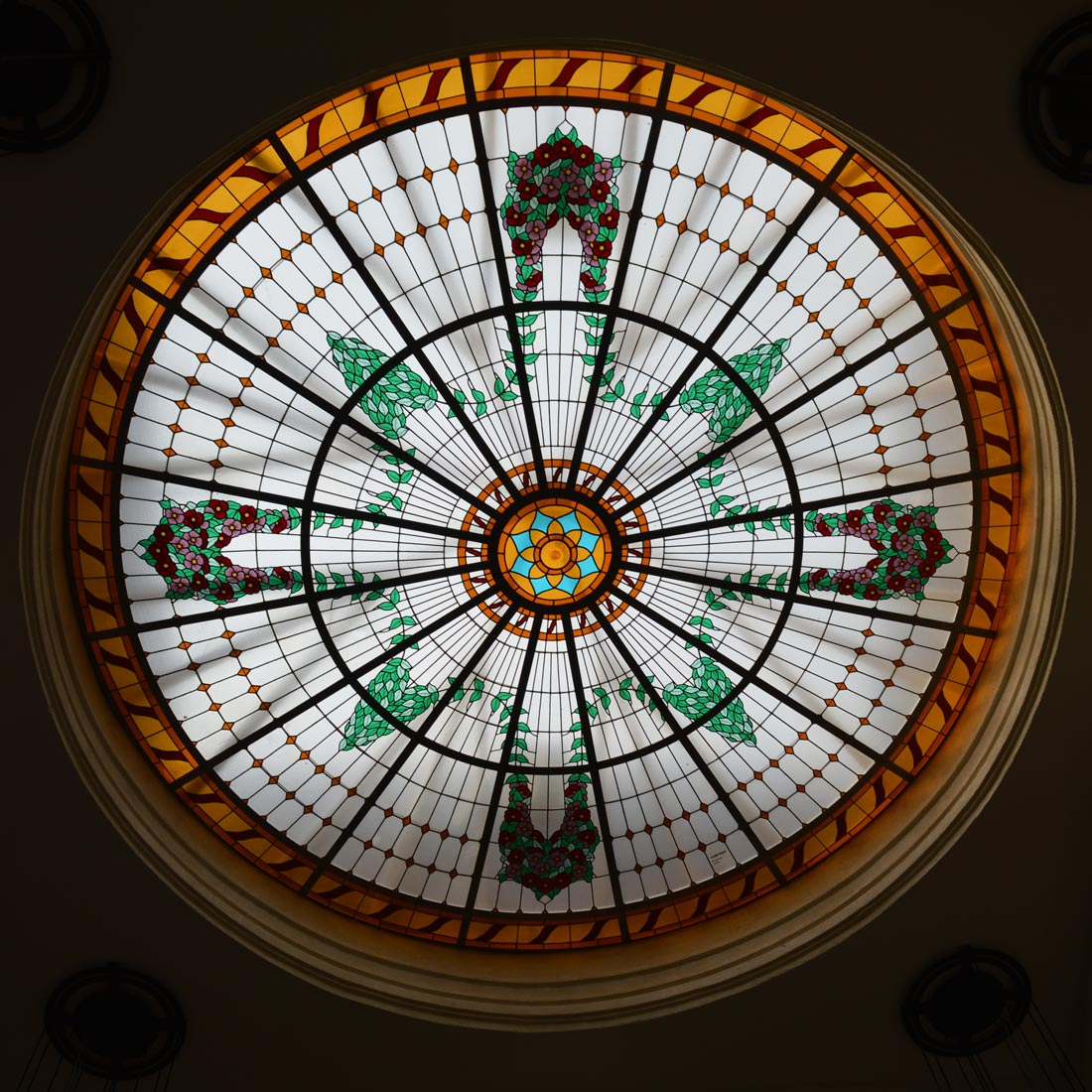 Lobby view © CoupleofMen.com
