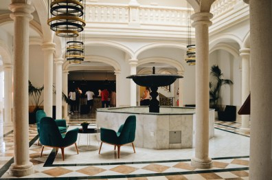 Stylish Architecture of the Lobby © CoupleofMen.com