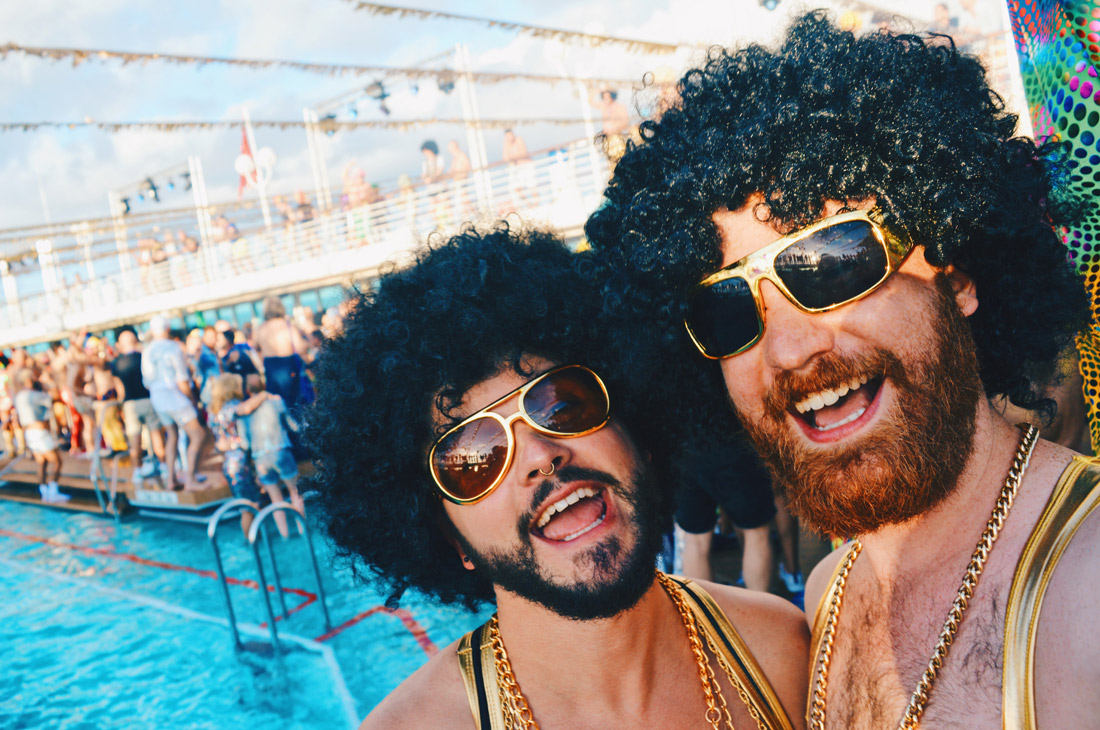 Gay Travel Bloggers in action | Disco T-Dance Party The Cruise 2017 © CoupleofMen.com