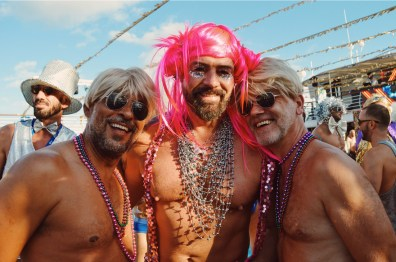 Don't forget your Disco Wig | Disco T-Dance Party The Cruise 2017 © CoupleofMen.com