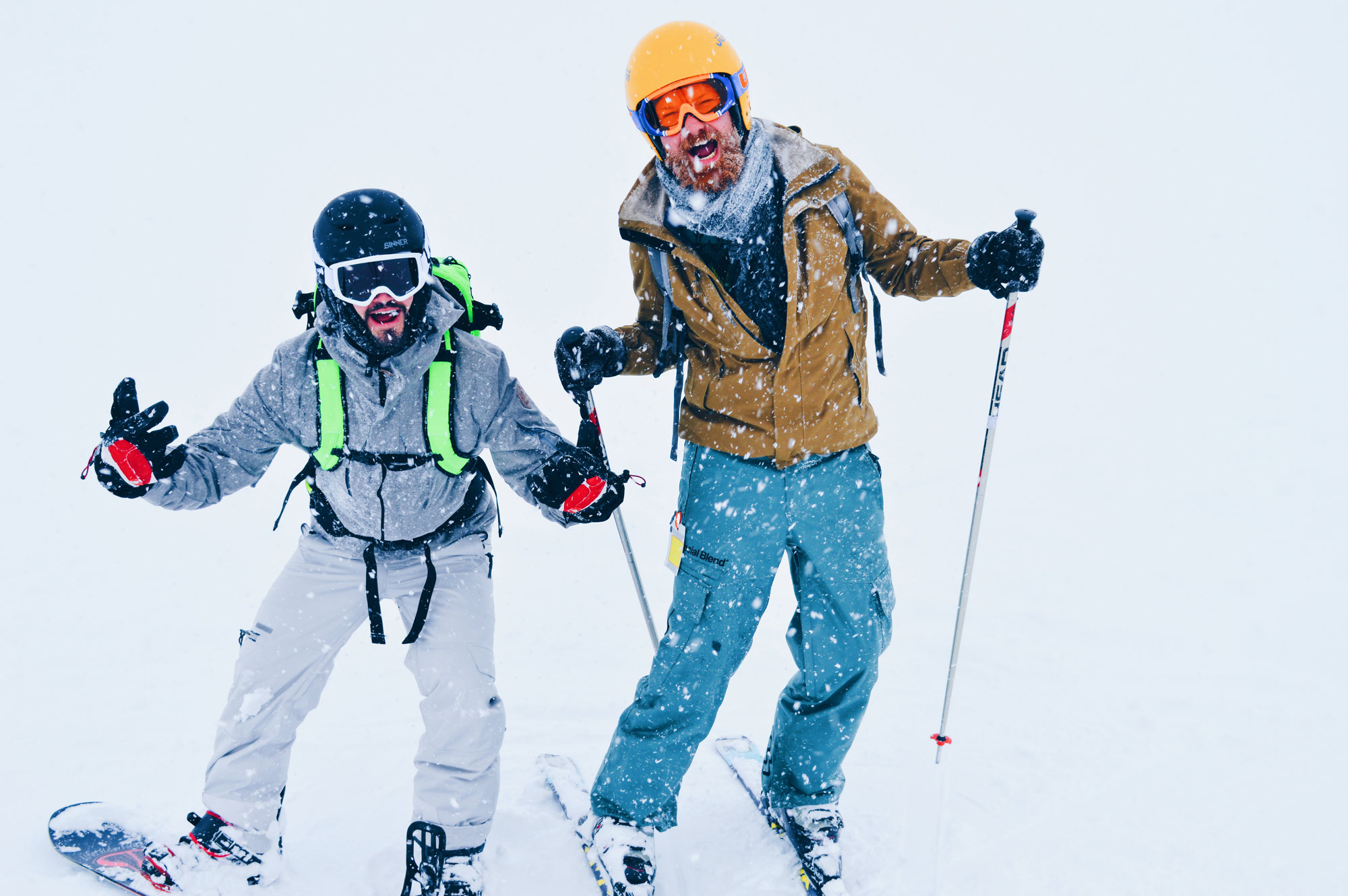 Gay Travel blogger Coupleofmen.com skiing and snowboarding | Top 13 Best Gay Ski Weeks Worldwide © CoupleofMen.com