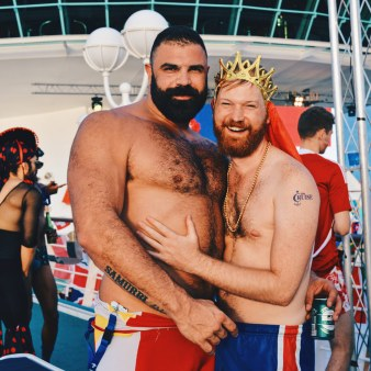 Daan cannot get enough from this Spanish Giant Man | Where are you from Party The Cruise 2017 © CoupleofMen.com