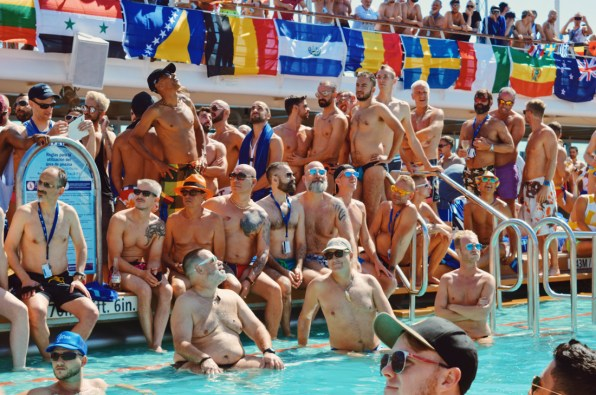 Mr. The Cruise 2017 audience © CoupleofMen.com