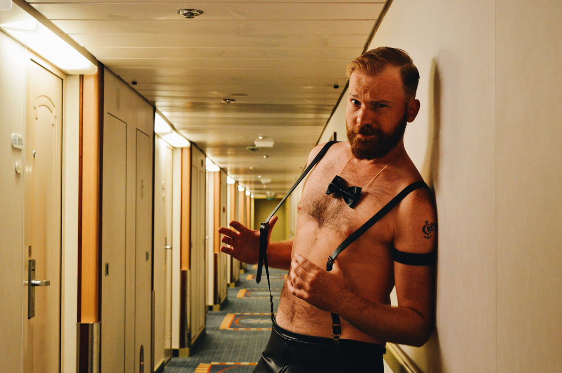 Daan in his Gala outfit | Gay Couple Travel Diary The Cruise 2017 © CoupleofMen.com