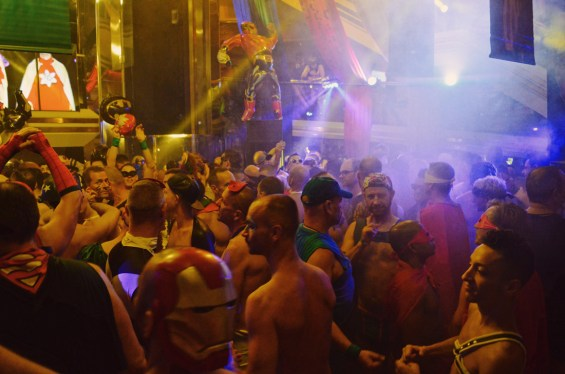 Dancing crowd Superhero Party | Gay Couple Travel Diary The Cruise 2017 © CoupleofMen.com