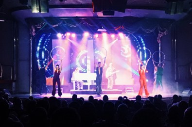 ABBA Show performance onboard the Monarch © CoupleofMen.com