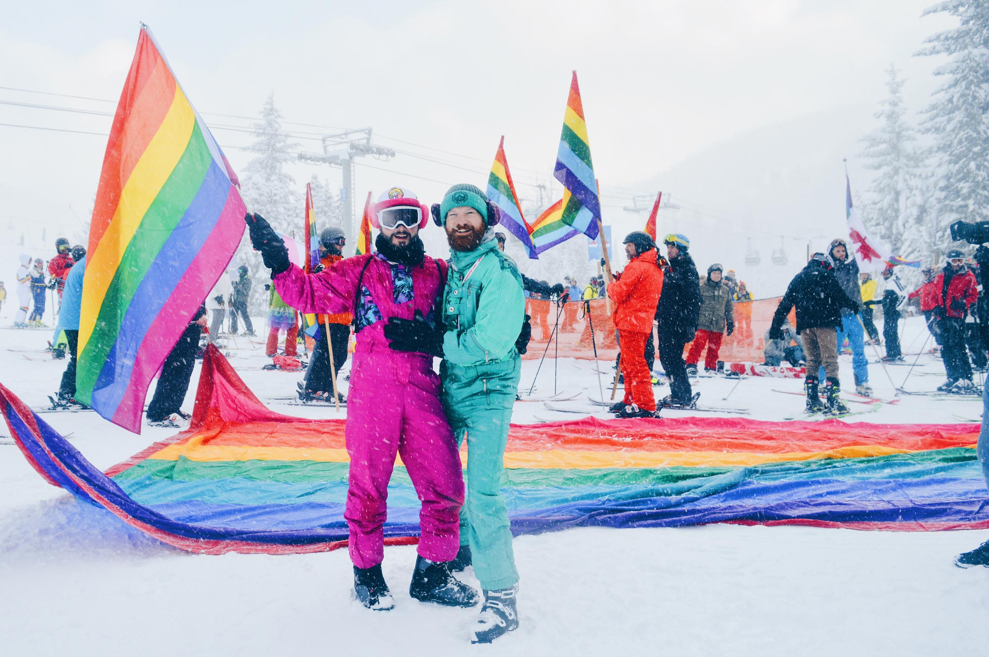 Top 13 Beste Schwule Skiwochen Gay Travel blogger Coupleofmen.com skiing and snowboarding | Top 13 Best Gay Ski Weeks Worldwide © CoupleofMen.com