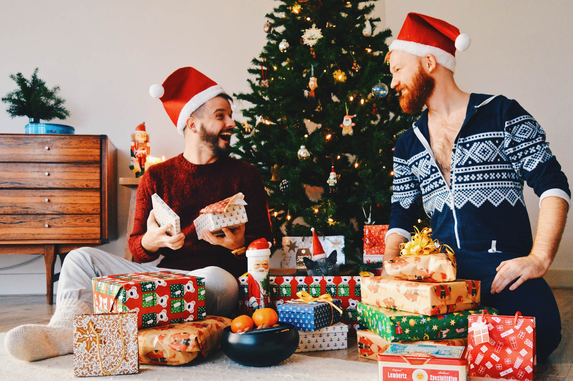 Gay Traveler Christmas Gift Ideas © CoupleofMen.com