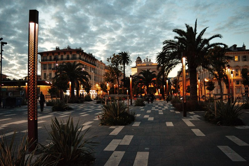 View over the Place du Voeu of the City of Nice by night - Gay Couple City Weekend Nice © CoupleofMen.com