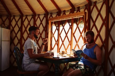 Getting ready for our Yosemite Park adventure with a good healthy breakfast © Coupleofmen.com
