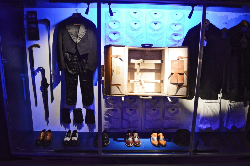 Everything that fits in this trunk | Legendary Trunks Exhibition Amsterdam © Coupleofmen.com