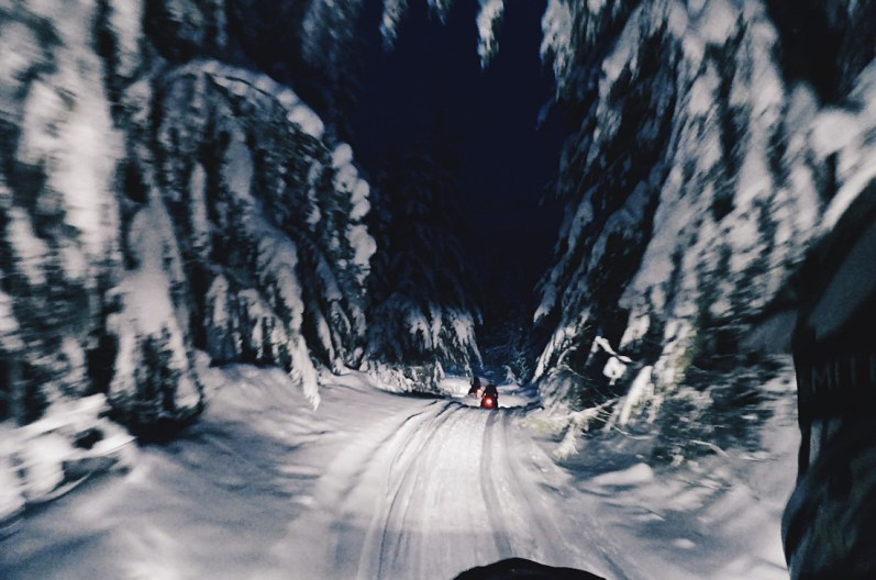 The snow was shining our way back home | Zip Lining Snowmobiling TAG Whistler Gay-friendly © Coupleofmen.com