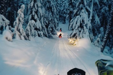 When darkness falls in a Canadian winter wonderland | Zip Lining Snowmobiling TAG Whistler Gay-friendly © Coupleofmen.com