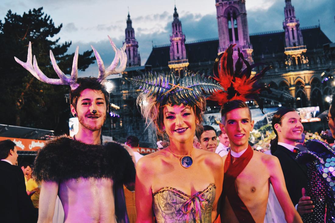 Gay Wien Designhotel Le Méridien Beautiful costumes on the Red Carpet LIfe Ball 2018 | Gay-friendly Design Hotel Le Méridien Vienna © Coupleofmen.com