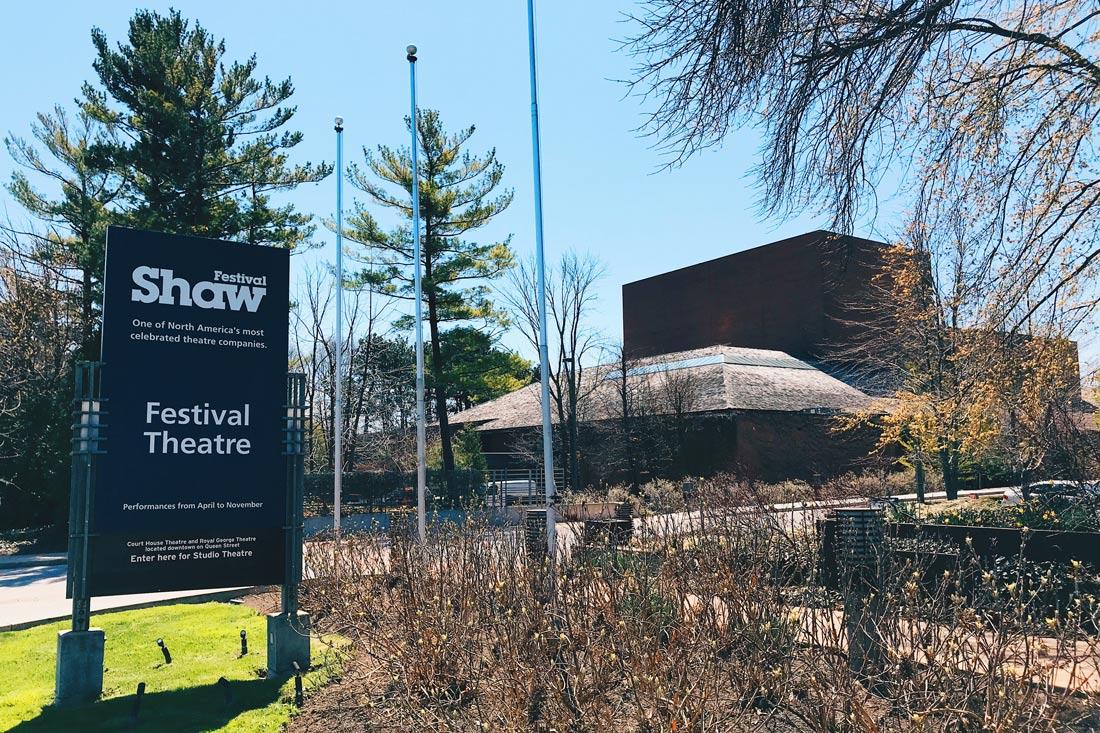 Abenteuer Niagara Fälle Kanada Exploring Niagara-on-the-Lake and the world-famous Shaw Theater Festival | Must Do's Niagara Falls Canada © Coupleofmen.com