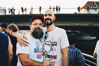 Handsome bearded men in love celebrating gay pride together | CSD Berlin Gay Pride 2018 © Coupleofmen.com