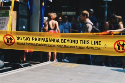 No Gay Propaganda beyond this line - Do not frighten President Putin and keep this areas human rights free | CSD Berlin Gay Pride 2018 © Coupleofmen.com