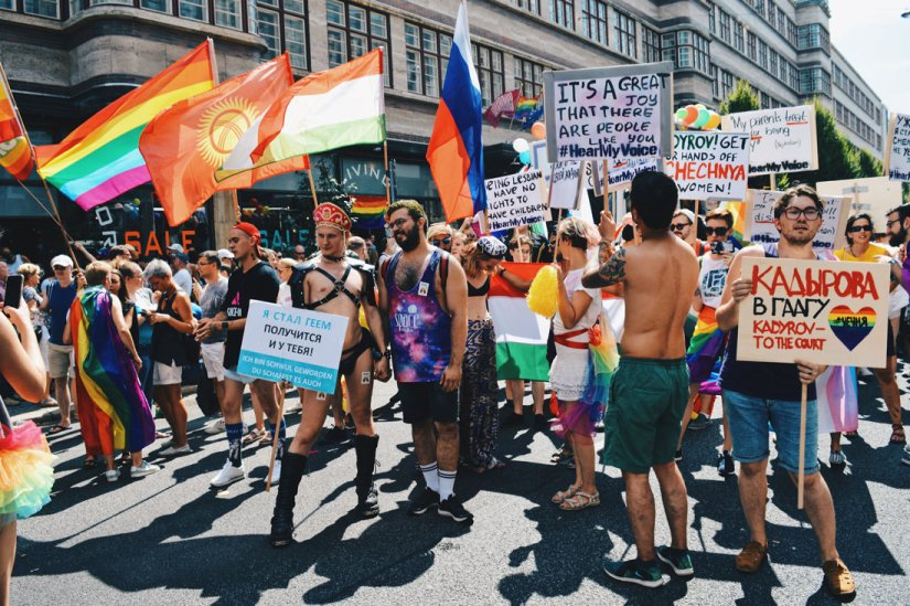 Make Russia Gay again - demonstrating for equal and human rights in Russia | CSD Berlin Gay Pride 2018 © Coupleofmen.com