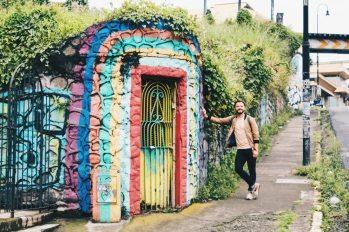 Karl looking to find the rainbow in San José, Costa Rica | Gay-friendly Costa Rica © Coupleofmen.com