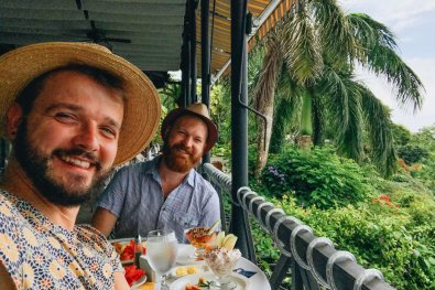 Lunch with a view over Costa Rica's incredible diverse nature including whales | Gay-friendly Costa Rica © Coupleofmen.com
