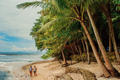 Enjoying the rough beauty of Costa Rica's Pacific beaches | Gay-friendly Costa Rica © Coupleofmen.com