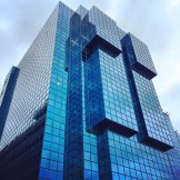 Modern Architecure made of glass and steal | Kurztrip London Tipps Tricks © Coupleofmen.com