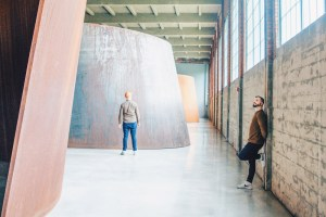 Highlight No2: The immersive sheets of steel by Richard Serra arising into the museum's space © Coupleofmen.com