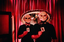 Gay Reise New York Wearing scary grey masks for the performances of Sleep No More | New York City for World Pride 2019 © Coupleofmen.com