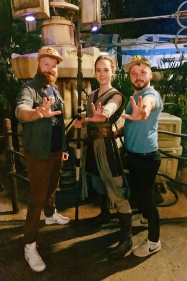 Disney-Star-Wars-Land-Galaxys-Edge-Meeting-Ray