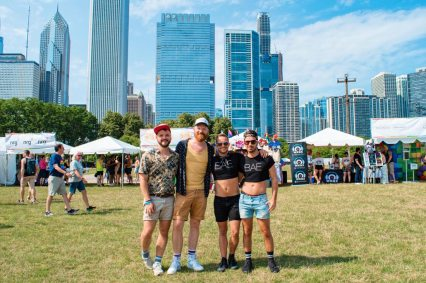 Chicago Gay City Tipps Couple of Men meeting The Globetrotter Guys at Pride Park Festival 2019 © Coupleofmen.com