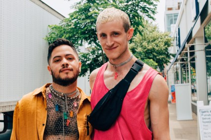Chicago Gay City Tipps A couple of handsome men we met in Boystown during Chicago Gay Pride 2019 © Coupleofmen.com