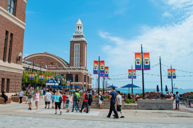 Chicago Gay City Tipps Rainbow decorated Navy Pier for Chicago Gay Pride 2019 © Coupleofmen.com