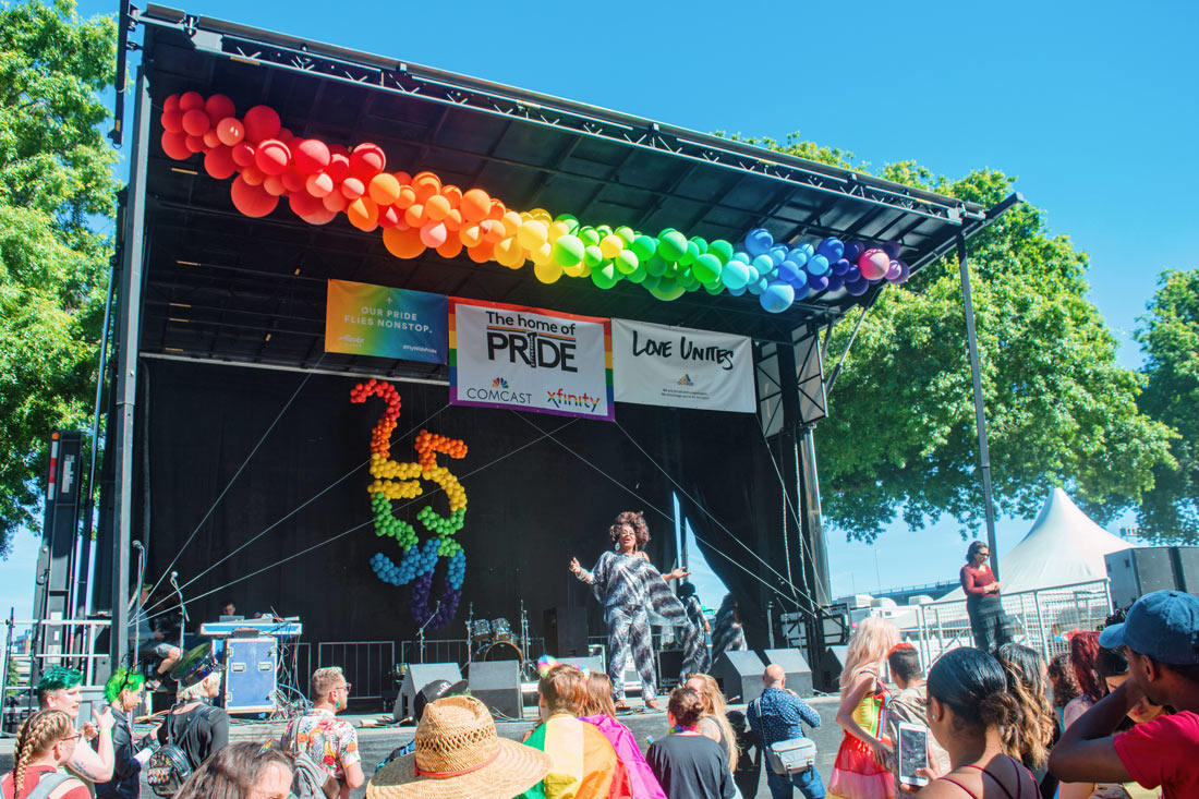 Drag Queens on stage at Waterfront festival area © Coupleofmen.com
