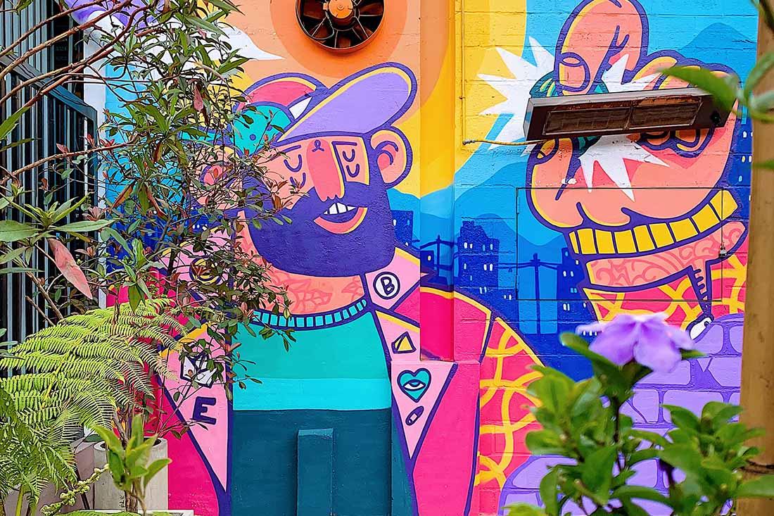 Colorful grafitti in Chapinero © Coupleofmen.com