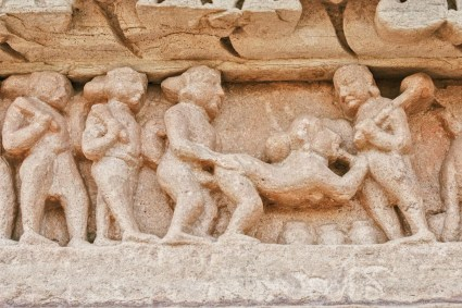Gay Reise Indien And a close up - erotic sculptures on the temples in Khajuraho © Coupleofmen.com