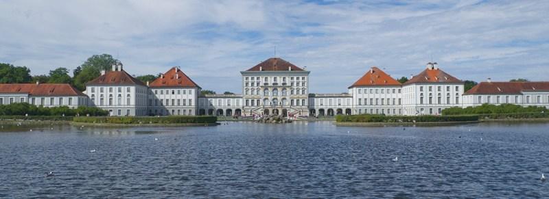 Gay Städtereise München Munich Gay City Trip: Nymphenburg-Palace in Summer © Coupleofmen.com