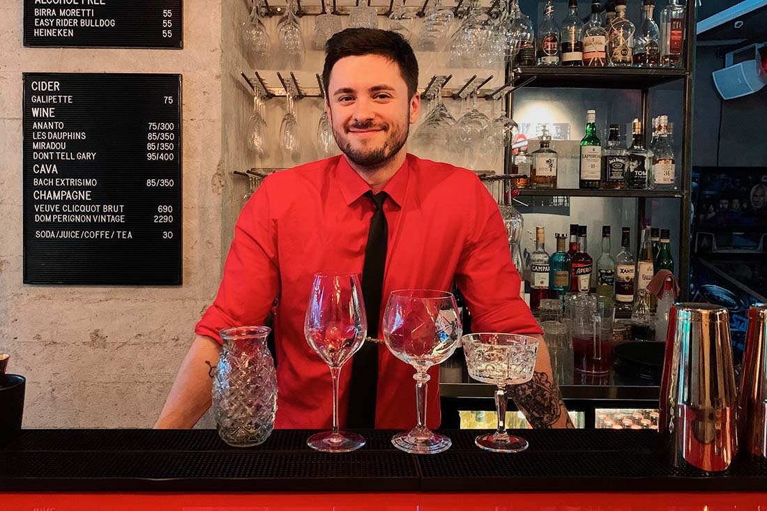 Up for a delicious cocktail at the Red Shoe Bar in Malmö? © Coupleofmen.com