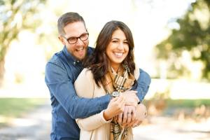 happy couple after marriage counseling with a relationship therapist in Cincinnati, OH 45226.