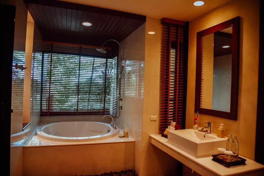 Crown Lanta Bathroom